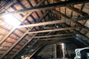 Trockenbau, Dachboden, Balken, Dachausbau